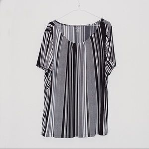Worthington Plus size blouse black and white